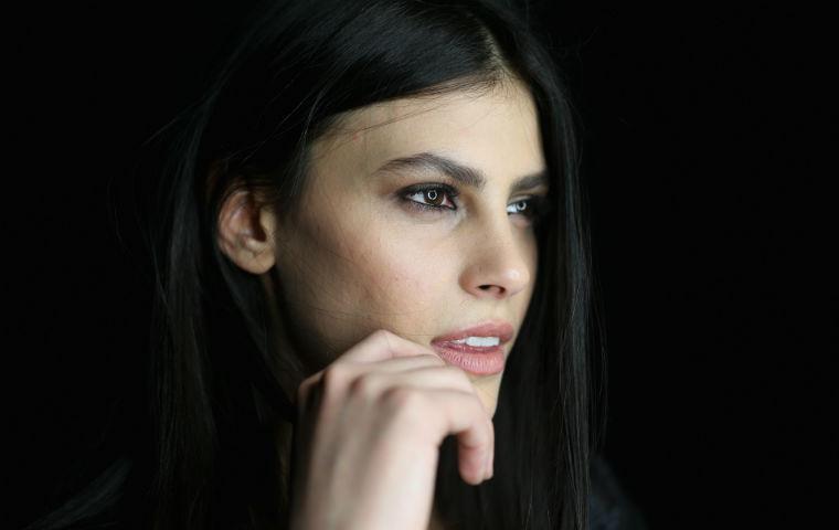 GNTM-Siegerin Alisar Ailabouni heute