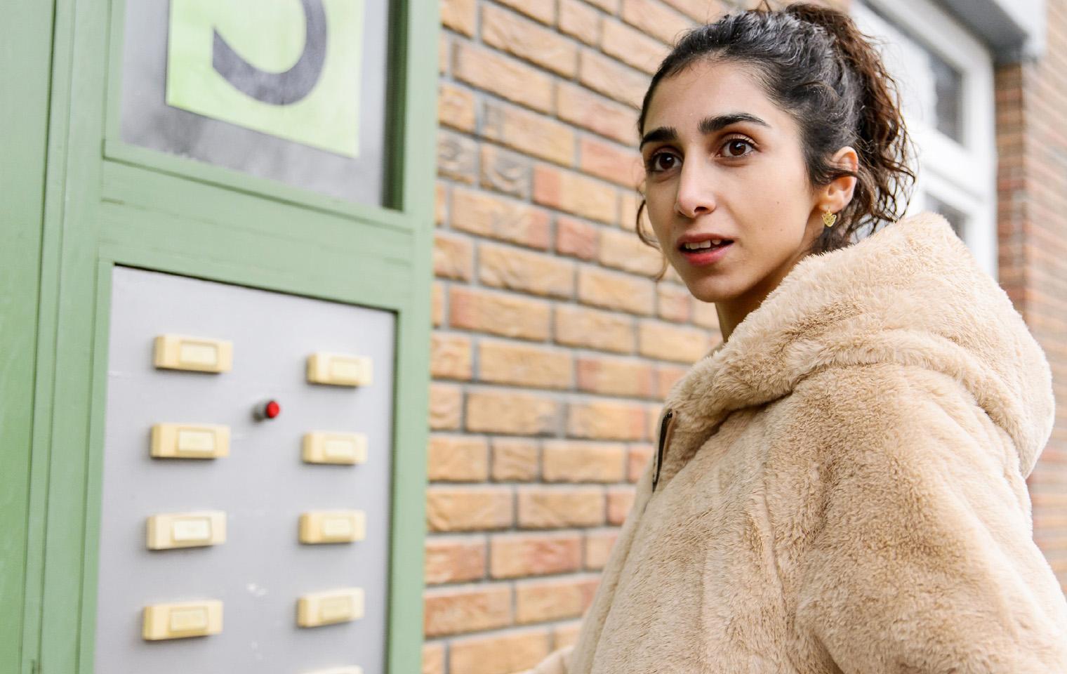 Neuzugang Bei Alles Was Zahlt Suri Abbassi Steigt Leyla Ozturk