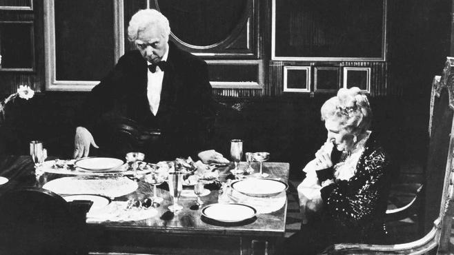 Bild Dinner For One