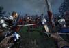 Schlachten-Szene aus Chivalry 2 mit blutigen Schwertern und Rittern, die aufeinander zu stürmen