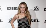 Lindsay Lohan vergisst immer wieder ihre Füße, wenn sie ihren Körper bräunt...