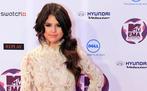 Selena Gomez Twitter