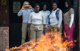 """Orange is the New Black"": In Staffel 5 kündigt sich eine Revolte an. Foto: Netflix"