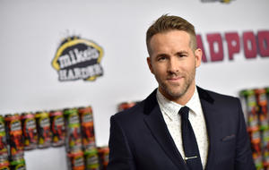"Ryan Reynolds zeigt in ""Deadpool"" seinen perfekten Penis."