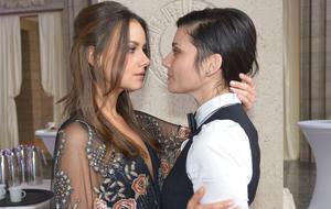 GZSZ Jasmin und Anni kommen sich wieder näher. Foto: RTL / Rolf Baumgartner
