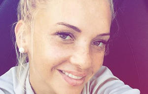 "Evelyn Burdecki steigt bei ""Promi Big Brother"" ein. Foto: Instagram / Evelyn Burdecki"