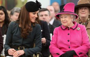 Drama imPalast: Queen Elizabeth II beklagt zwei Fehlgeburten