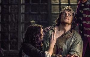 """Outlander"" Claire Fraser Caitrona Balfe und Jamie Fraser Sam Heughan"