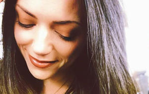 Sexy GZSZ-Star Anne Menden: Das ist ihre Schwester!