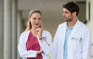 Die jungen Ärzte: Niklas bleibt länger am JTK als gedacht - aber nur deshalb!