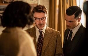 """Aidan Gillen spielt in """"Project Blue Book"""" eine schüchterne Figur - damit identifiziert er sich auch privat"""