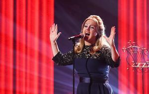 BIG PERFORMANCE: Adele