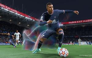 "PSG-Star Kylian Mbappé ziert das Cover von ""FIFA 22""."