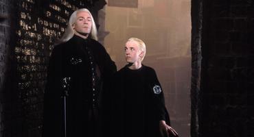 """Harry Potter"": So sieht Jason Isaacs alias Lucius Malfoy im echten Leben aus"