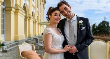 """Clara und Adrian heiraten bei """"Sturm der Liebe"""". Foto: Das Erste / Christof Arnold"""