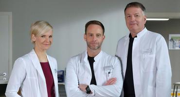 """Neuer Chefarzt bei """"In aller Freundschaft"""": Julian Weigend als Dr. Kai Hoffmann"""