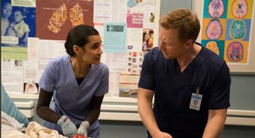 """""""Grey's Anatomy"""": Owen Hunt und Dr. Dahlia Qadri (Sophia Taylor Ali)"""