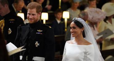 Meghan Markle und Prinz Harry bei ihrer Hochzeit - Brautkleid