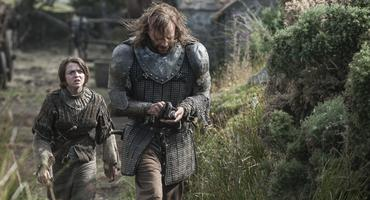 """Game of Thrones"": Arya Stark (Maisie Williams) und der Hound/gregor clegane (Rory McCann)"