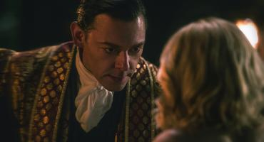 """Chilling Adventures of Sabrina"": Richard Coyle alias Father Blackwood und kiernan shipka alias sabrina"