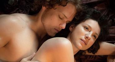 """Outlander"": Jamie (Sam Heughan) und Claire (Caitriona Balfe)"
