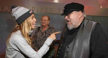 """""""Game of Thrones""""-Autor George R. R. Martin und seine Ehefrau Parris McBride (im Hintergrund)"""