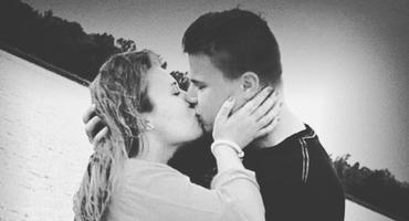 Jeremy Pascal Wollny und seine Freundin Sophie trauern um ein geliebtes Familienmitglied