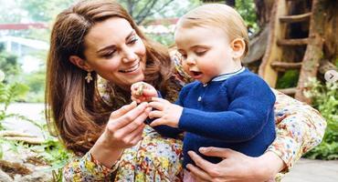 Royal-Fotos aufgetaucht: Prinz Louis kann schon laufen!