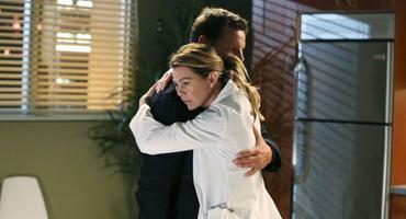 """Alex Karev (Justin Chambers) und Ellen Pompeo alias Meredith Grey in """"Grey's Anatomy"""""""