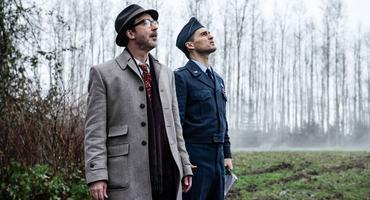 """Project Blue Book"": Dr. J. Allen Hynek (Aidan Gillen, l.), Captain Michael Quinn (Michael Malarkey)"