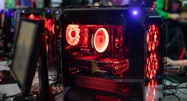 Gaming PC mit LED Gehäuse