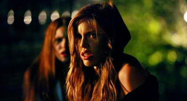 """Vampire Diaries""-Star Kayla Ewell bald in ""Batwoman"""