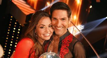Christina Luft und Christian Polanc  wirken verliebt | Let's Dance