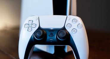Der DualSense-Controller der PS5