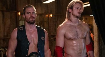 "Heels mit ""Arrow""-Star Stephen Amell und ""Vikings""-Star Alexander Ludwig"