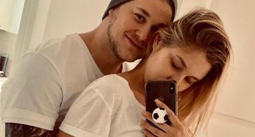 Felix van Deventer und seine Freundin Antje zeigen süße Einblicke