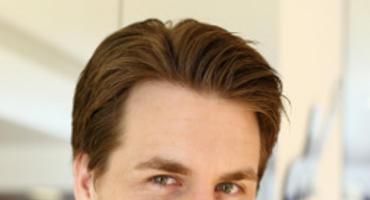 Alexander Klaws war 2003 der erste DSDS-Gewinner. Er hat fünf Alben veröffentlicht und ist als Schauspieler und Musicaldarsteller erfolgreich.