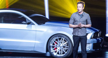 """Breaking Bad""-Star Aaron Paul gibt im ersten ""Need For Speed""-Trailer Vollgas!"