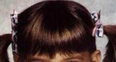 Kulleraugen, Stupsnase und Zöpfchen - so süß sah Katie Holmes als kleines Kind aus