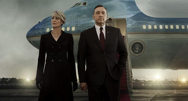 Die House of  Cards Stars Robin Wright und Kevin Spacey vor der Air Force One