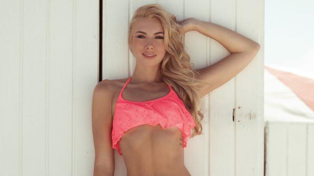 Janika beim Bachelor 2017 Bikini