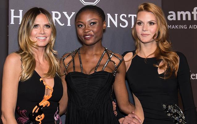 Heidi Klum und die GNTM Kandidatinnen Leticia und Lynn bei der amfAR-Gala in New York.