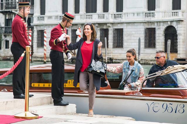GZSZ: Jasmin und Katrin kommen in Venedig an