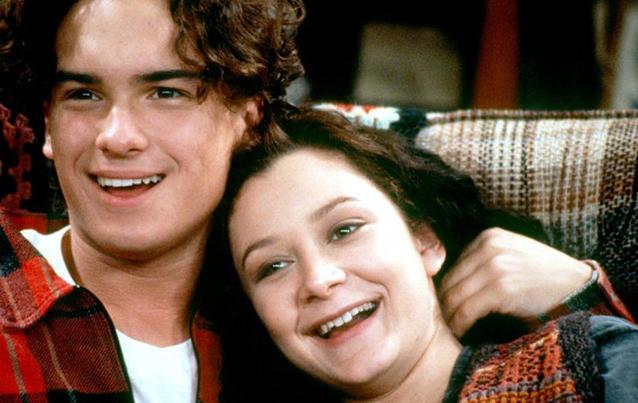 """Johnny Galecki und Sara Gilbert in """"Roseanne"""". Foto: ABC"""