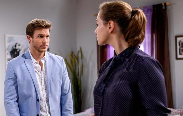 Florian vermutet, dass Nils Tina ein falsches Alibi gegeben hat