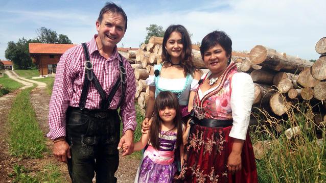 Echt Familie: Narumol und Josef