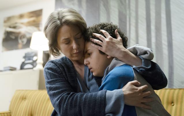"""the Sinner"", Staffel 2: Elisha Henig als Julian"