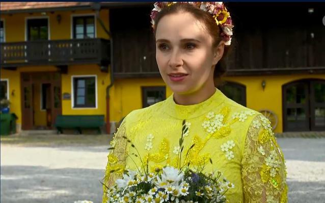 Sturm der Liebe: Romy fängt den Brautstrauß
