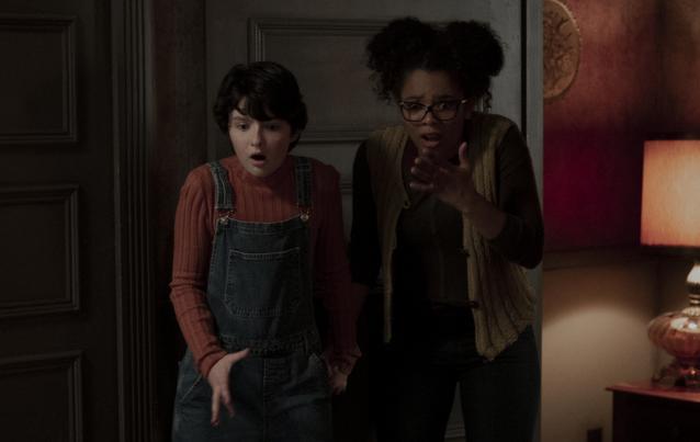 """""""Chilling Adventures of Sabrina"""": Lachlan Watson alias Susie Putnam und Jaz Sinclair (Rosalind Walker)"""