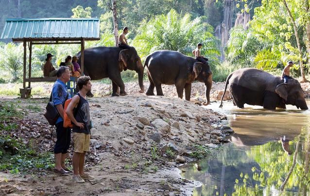 In aller Freundschaft: Roland und Kris im thailändischen Nirgendwo